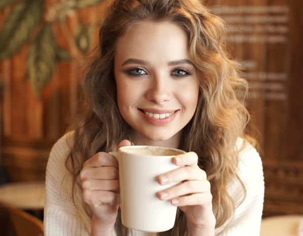 Как сохранить белизну зубов: советы кофеманам