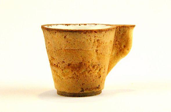 Выпил кофе? Съешь чашку!